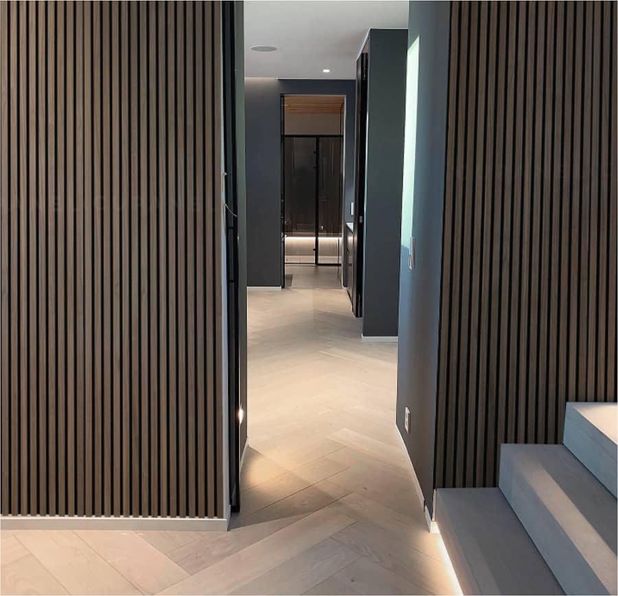 Panel de madera vertical